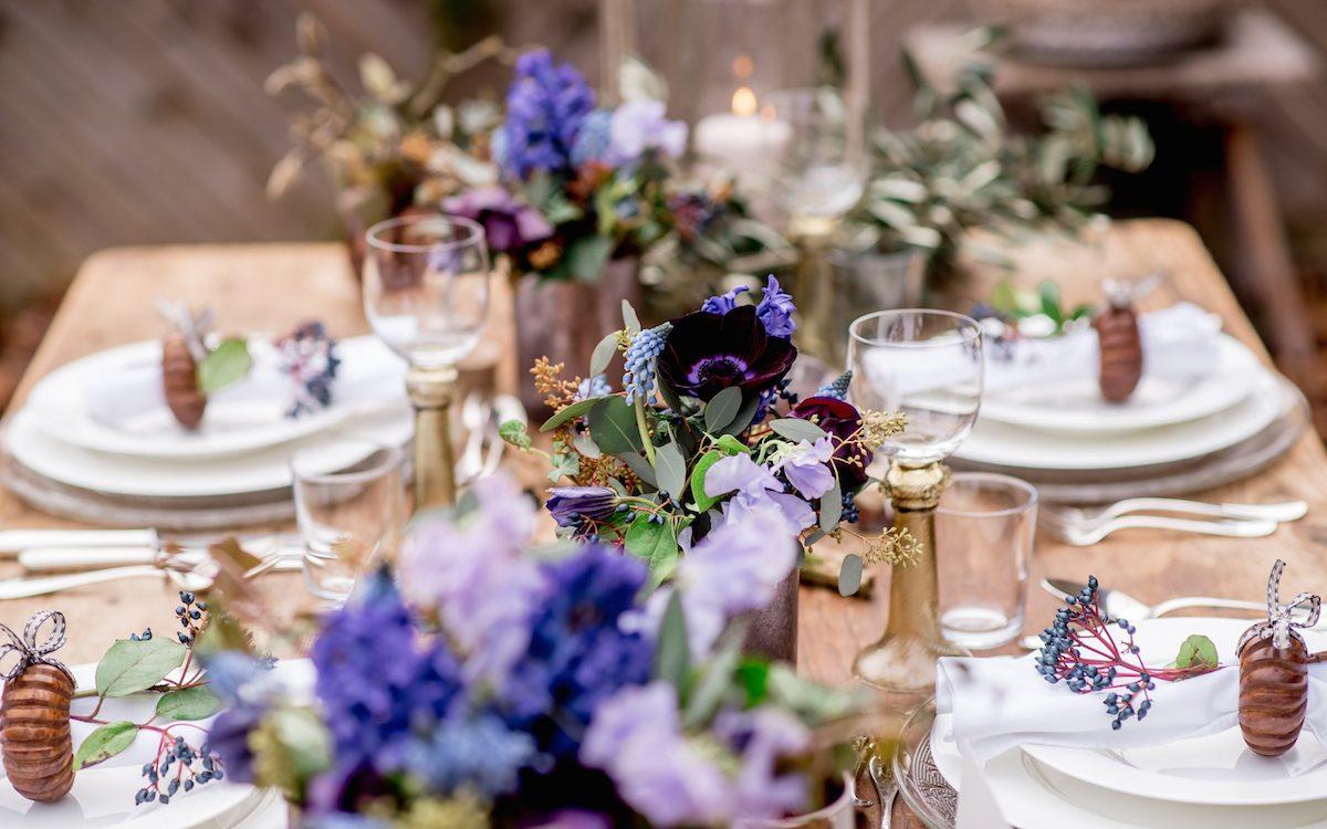 Wunderschöne Hochzeitstafel im Garten